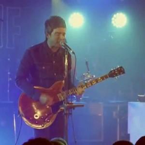 ノエル・ギャラガーによるソロ・プロジェクト Noel Gallagher's High Flying Birds、新たに「Riverman」のオフィシャル・ライブ映像が公開!