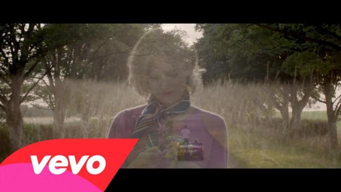 北ロンドン若手注目の4人組インディーロック・バンド Gengahr、デビューアルバムから「Fill My Gums With Blood」のMVが公開!
