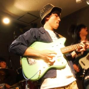 京都出身のギターポップ・バンド 花泥棒、先月 9/20 京都 nano で行われた「デイドリーム~黄昏」のライブ映像が公開!