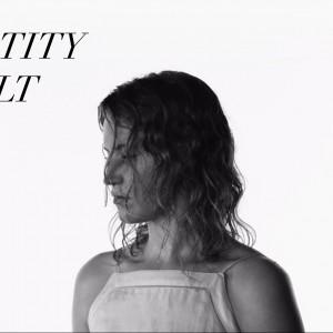 米シアトルのガールズ・ロックバンド Chastity Belt、SubPop の傘下レーベル Hardly Art よりリリースされたニューアルバムから「Lydia」のMVが公開!