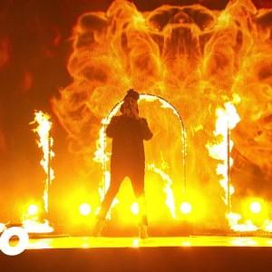 """カナダ・トロントの人気男性R&Bシンガー The Weeknd、アメリカ4大音楽賞のひとつ """"American Music Awards 2015"""" に出演!"""
