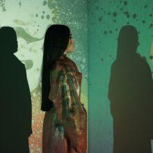 スペイン生まれ19歳の女性シンガーソングライター Mabel がニューシングル「Tate Modern」のMVを公開!