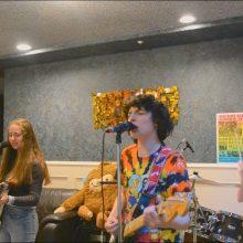 カナダ14歳の若手俳優 Finn Wolfhard 率いるバンド、Calpurnia が Twin Peaks の「Wanted You」をカバー!