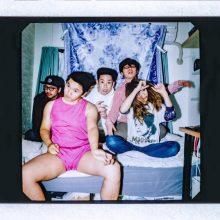 今年のフジロック ROOKIE A GO-GO にも出演するファンク・バンド、ディープファン君が新曲「Sexy」のMVを公開!