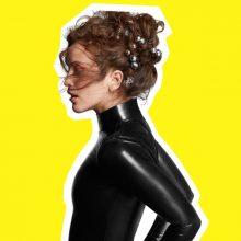 UKブラックプール出身のシンガーソングライター Rae Morris がセカンドアルバム『Someone Out There』を 2/2 リリース!