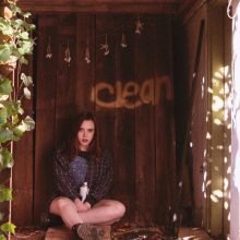 20歳のソングライター Soccer Mommy が待望のデビューアルバム『Clean』を Fat Possum からリリース!