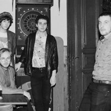 ベルリン発のジャーマン・ポストパンク・バンド Isolation Berlin が2ndアルバム『Vergifte dich』をリリース!