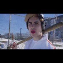 ボストンの5人組ロックバンド Cosmic Johnny、新曲「Sleep with a Baseball Bat」のMV公開!