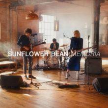 NYブルックリンの3ピース Sunflower Bean、シカゴの Audiotree に出演したライブ映像公開!