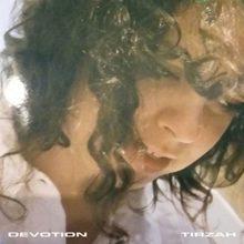 ロンドンの新鋭 Tirzah がデビューアルバム『Devotion』を Domino から 8/10 リリース!