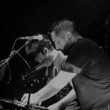 Nine Inch Nails、ゲイリー・ニューマンと競演した「Metal」のライブ映像公開!