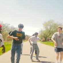インディアナ期待の若手 Omar Apollo、デビューEPから「Ignorin」のMV公開!