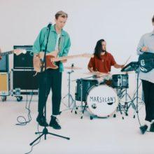 UKリーズの新人バンド Marsicans、ニューシングル「Pop-Ups」のMV公開!