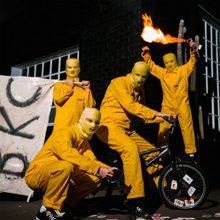 オーストラリアのガレージパンク・バンド Bleeding Knees Club、6年振りの新作『Fade The Hammer』を 10/5 リリース!