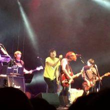 フジロック前夜祭で 甲本ヒロト、ベンジー、奥田民生 によるラモーンズのカバー曲「Blitzkrieg bop」を披露したライブ映像が公開!