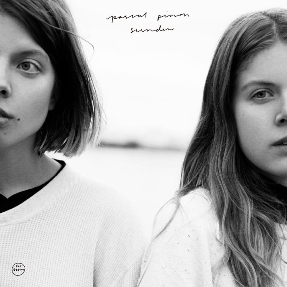 アイスランドの双子ガールズ デュオ pascal pinon セルフ