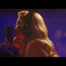 Sky Ferreira、映画『Baby Driver』のサントラ収録曲「Easy」のMVを公開!