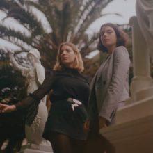 オーストラリア南海岸出身の新人姉妹デュオ、Clews が新曲「Crushed」を配信リリース!