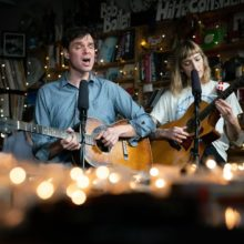 Dirty Projectors が Tiny Desk Concert に出演、クリスマス仕様のアコースティックを披露!