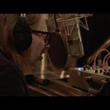 Thom Yorke、NYの Electric Lady スタジオで行った特別なライブ映像を公開!