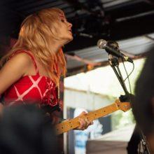 LAのインディーポップ・バンド Cherry Glazerr が SXSW 2019 に出演したフルライブ映像公開!
