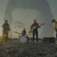 ブルックリンの4人組インディーロック・バンド Crumb、デビューアルバム『Jinx』をリリース!