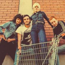 ガレージパンク・バンド Amyl and the Sniffers、ラフトレからデビューアルバムをリリース!