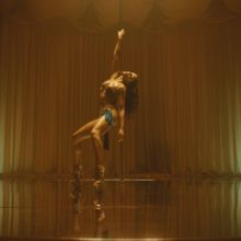 FKA twigs が4年ぶりのニューシングル「Cellophane」のMVを公開!