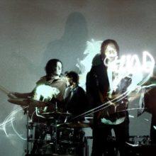 The Raconteurs、11年ぶりのニューアルバム『HELP US STRANGER』をリリース!