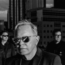 New Order、2017年にマンチェスターで行ったライブアルバム『∑(No,12k,Lg,17Mif)』をリリース!