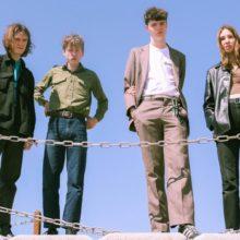 UKのティーンエイジ・バンド Working Men's Club、名門 Heavenly からニューシングル「Teeth」をリリース!