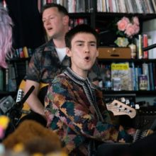 ロンドンの天才マルチ・ミュージシャン Jacob Collier、NPR Music の人気企画 Tiny Desk Concert に登場!