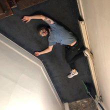 USオルタナ・エモのメロディ・メーカー Oso Oso、ニューアルバム『Basking In The Glow』の国内盤を 8/16 リリース!