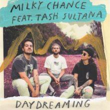 ドイツのデュオ Milky Chance、ニューアルバム『Mind The Moon』を 11/15 リリース!