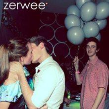 Weezer よりも Weezer っぽい!?世界をザワつかせた究極のオマージュ作品『Zerwee』がCD化!