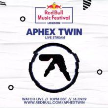 Aphex Twin (エイフェックス・ツイン)、ロンドンの巨大クラブ Printworks で行ったアーカイブ映像公開!