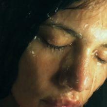 Okay Kaya、ニューアルバム『Watch This Liquid Pour Itself』をリリース!