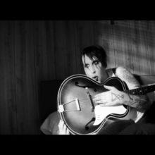 Marilyn Manson (マリリン・マンソン) がカバーした、あのフォーク・ソングが遂に配信!