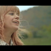 カナダのSSW、Basia Bulat がニューアルバム『Are You in Love?』を来年 3/27 リリース!