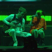 Billie Eilish、メキシコのフェス Corona Capital に出演したライブ映像公開!