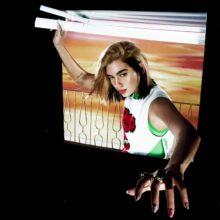 Dua Lipa、2020年リリース予定のアルバムから表題曲「Future Nostalgia」を公開!