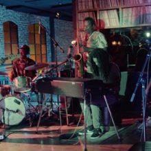 若きジャズの天才 Jamael Dean、デビューEPから「Kronos」のライブ映像を公開!
