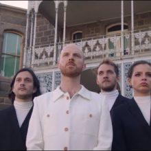 オーストラリアのインディーポップ・バンド The Jungle Giants、新曲「Sending Me Ur Loving」のMV公開!