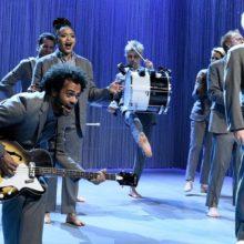 元トーキング・ヘッズの David Byrne、サタデーナイトライブに出演したライブ映像が公開!
