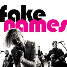 パンクレジェンドが集結した新バンド Fake Names、デビューアルバムを Epitaph からリリース!