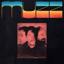 Interpol のポール・バンクス率いる3ピース・バンド MUZZ、デビューアルバムをリリース!