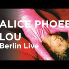 南アフリカ出身のSSW、Alice Phoebe Lou がベルリンで行われたアルテコンサートのフルライブ映像公開!