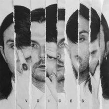 UKのシンセポップ・デュオ Hurts、今年リリース予定のニューアルバムから先行シングル「Voices」を公開!