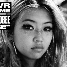 beabadoobee、新曲「Care」「Sorry」のアコースティック映像が公開!