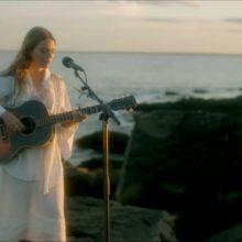 Maggie Rogers が「Back In My Body」のパフォーマンス映像を公開!